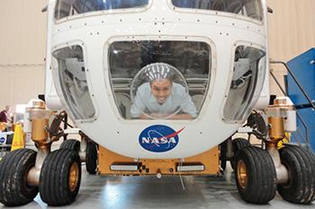 Sydney Do in Mars rover