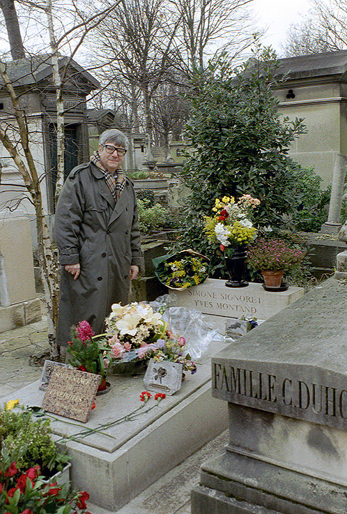 Pere Lachaise Cemetery Tomb Of Simone Signoret And Yves