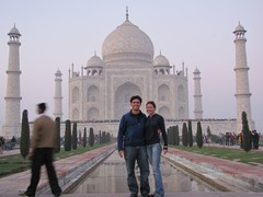 Agra099_TajMahal_Closer