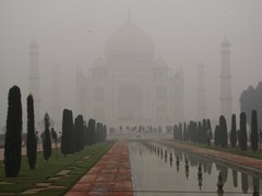 Agra287_TajMahal_Mist