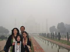 Agra288_TajMahal_Mist
