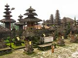 Bali295_SideTemple