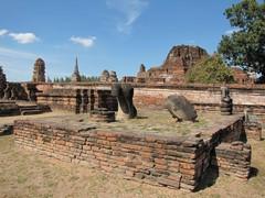 Ayutthaya293_WatMahathat_Prangs