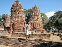 Ayutthaya302_WatMahathat_Prangs