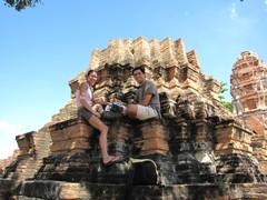 Ayutthaya360_WatMahathat_ClimbingUp