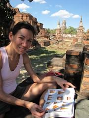Ayutthaya363_WatMahathat_ClimbingUp