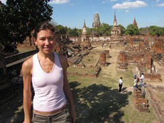 Ayutthaya368_WatMahathat_ClimbingUp