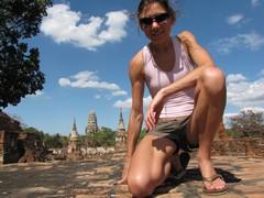 Ayutthaya372_WatMahathat_ClimbingUp