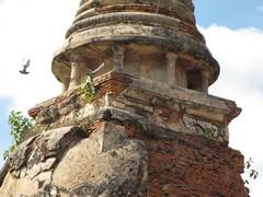 Ayutthaya398_WatMahathat_Prangs