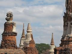 Ayutthaya400_WatMahathat_Prangs