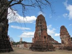 Ayutthaya420_WatMahathat_Prangs