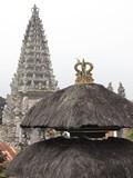 Bali246_SideTemple