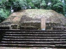 Lamanai_Temples43
