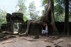 Cambodia1514_TaPhrom_Entrance