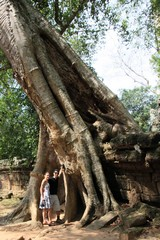 Cambodia1522_TaPhrom_Entrance