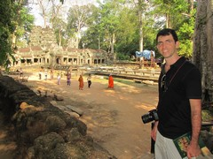 Cambodia1541_TaPhrom_Entrance