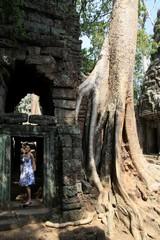 Cambodia1553_TaPhrom_FirstCourt