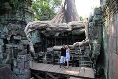Cambodia1793_TaPhrom_LastCourt