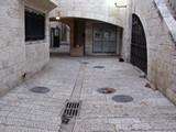Jerusalem074_ThroughTown