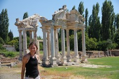 Turkey3659_Aphrodisias_Tetrapylon