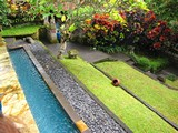Ubud0644_Pertiwi_InThePool