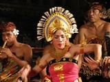 Ubud0814_ArjunaPara_Chorus