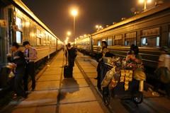 Vietnam0021_BacHa_SapalyTrain
