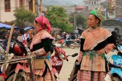 Vietnam0165_BacHa_Streets