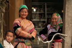 Vietnam0175_BacHa_Streets