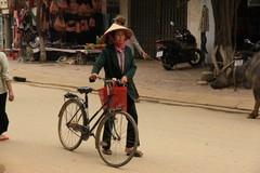 Vietnam0216_BacHa_MainStreet