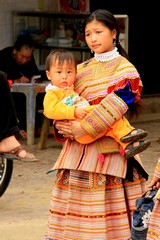 Vietnam0252_BacHa_MainStreet