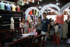 Vietnam3918_HoiAn_ShoppingSpree