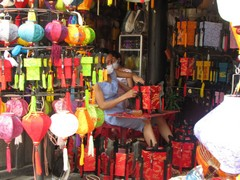 Vietnam3926_HoiAn_ShoppingSpree