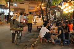 Vietnam5578_HaNoi_EveningStation