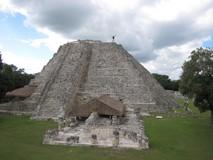 Y1731_Mayapan_OnPyramid