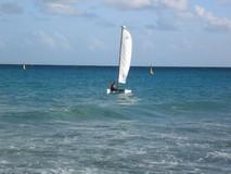 Y7547_SandosPlayacar_Sailing