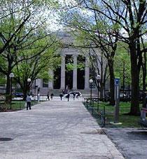 77 Massachusetts Avenue entrance to MIT